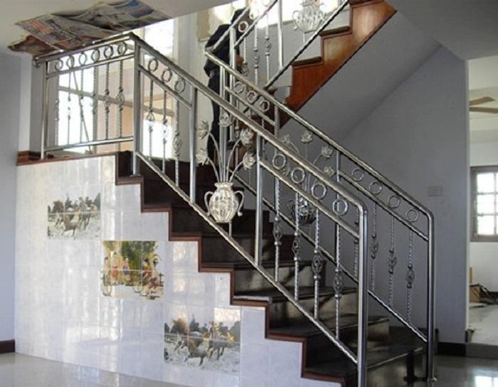 mẫu lan can cầu thang inox